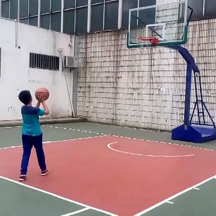 学习打篮球