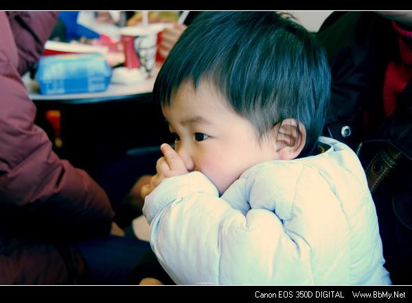 金东浩第一次去肯德基照片