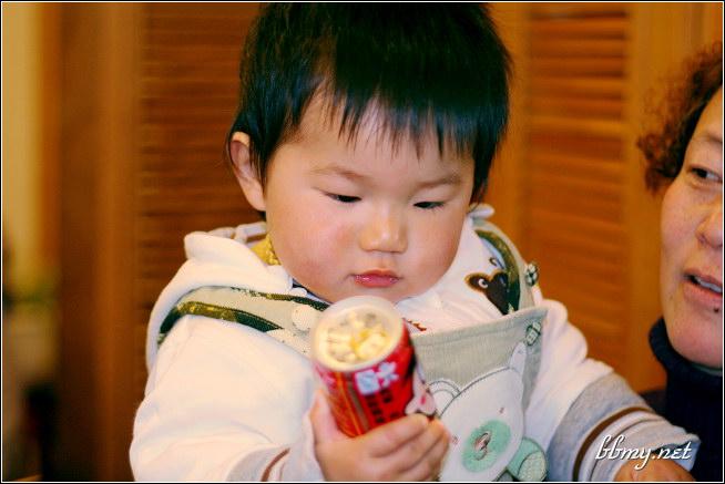 金东浩今天给东东过生日照片