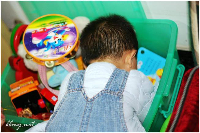 金东浩玩具箱照片