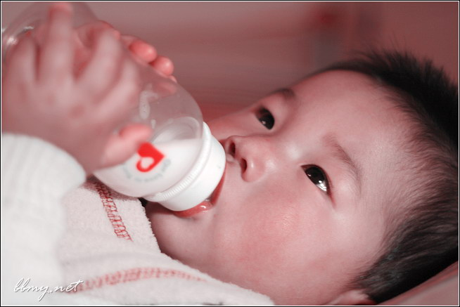 临睡前的一瓶奶