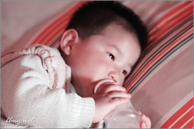 金东浩临睡前的一瓶奶照片