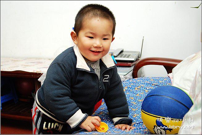 金东浩玩球照片