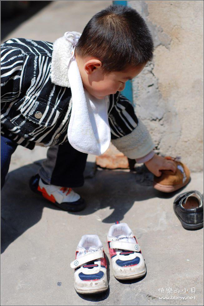 金东浩学会晒鞋照片