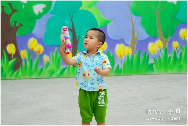 金东浩泡泡枪照片