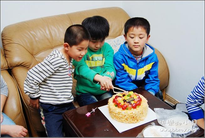 金东浩哥哥的生日照片