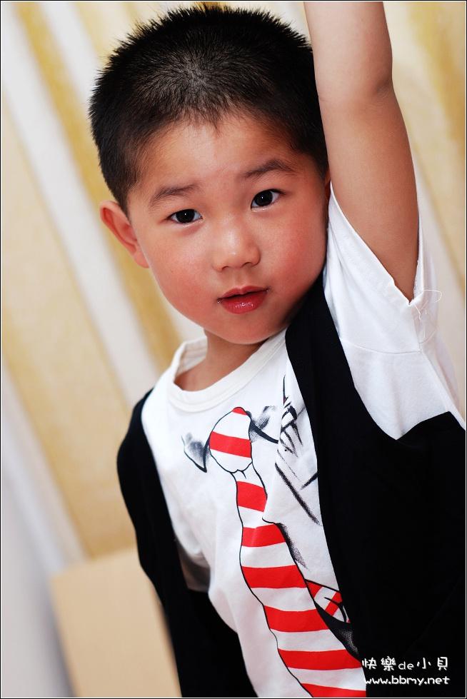 金东浩六一表演礼服日记照片